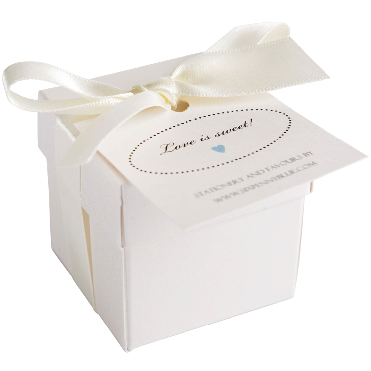Large box of 7 Scottish tablet heart wedding favours