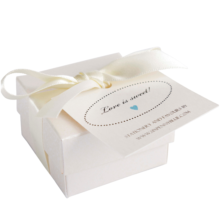 Small box of 5 Scottish tablet heart wedding favours
